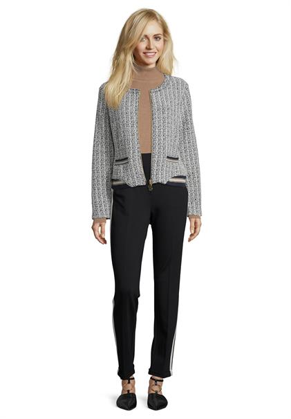 Betty Barclay blazer 4016-1418 in het Marine