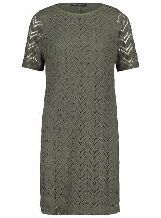 Betty Barclay jurk 1536-2202 in het Licht Groen