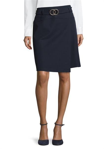 Betty Barclay midi rok 9003-1055 in het Marine