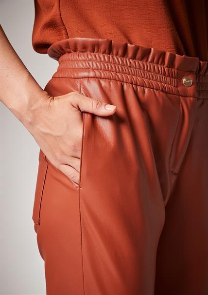 Comma pantalons 2105160 in het Bruin