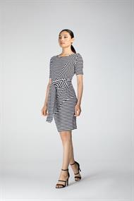 Juffrouw Jansen jurk livy-s20 in het Zwart / Wit