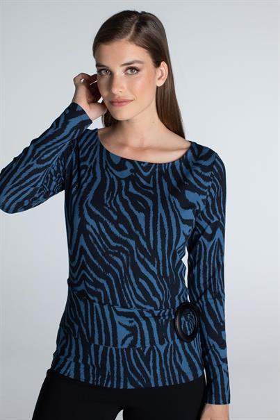 Juffrouw Jansen t-shirts isol in het Nacht Blauw