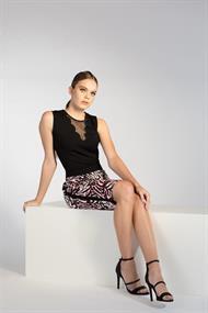 Juffrouw Jansen t-shirts lilas-s20 in het Zwart