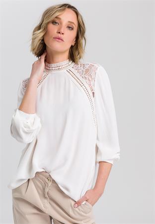 Marc Aurel blouse 6372-1000-92902 in het Beige