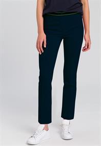 Marc Aurel pantalons Slim Fit 1530-7000-92911 in het Donker Blauw