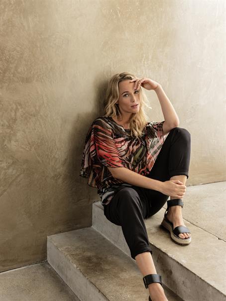 Tramontana blouse c01-95-301 in het Zwart / Wit