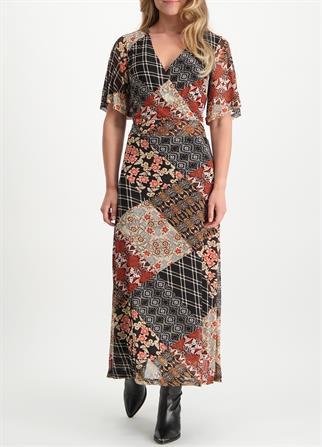 Tramontana jurk c02-01-501 in het Zwart / Wit